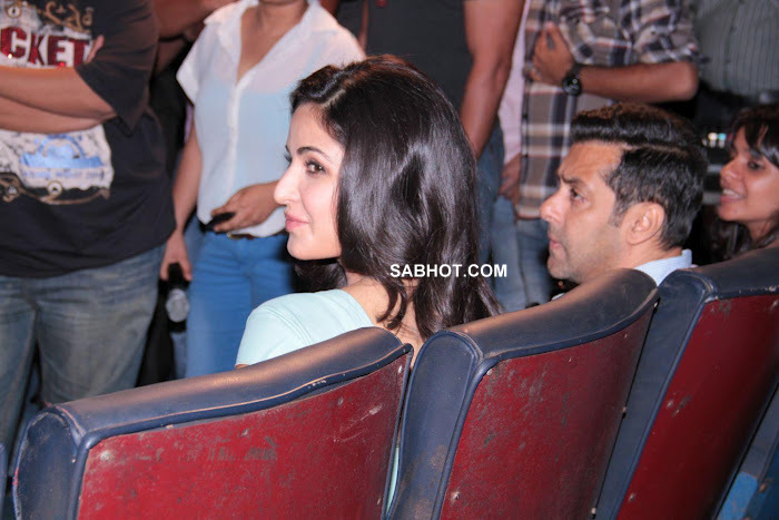 Katrina Kaif In Tight Hot At Promotion Of Ek Tha Tiger