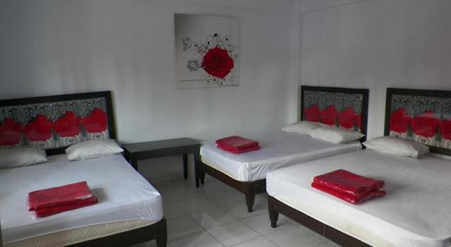 Kamar family di rose inn hotel murah di pangandaran