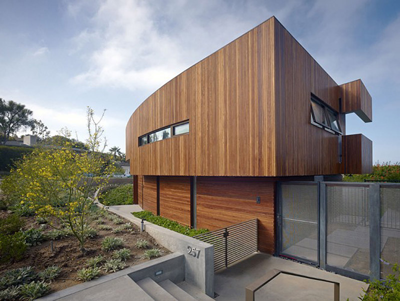 30 Pics, Inside and Out, Of A Breathtaking 9,000 Sq Foot Modern Home on