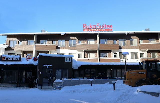 The front entrance to the RukaSuites Ski Inn Apartment Hotel