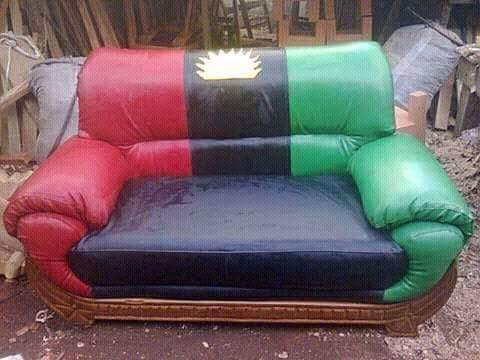 Check out the Biafra-themed cushion that was spotted in Aba today