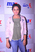 Sree Mukhi at Meet and Greet Session at Max Store, Banjara Hills, Hyderabad (38).JPG