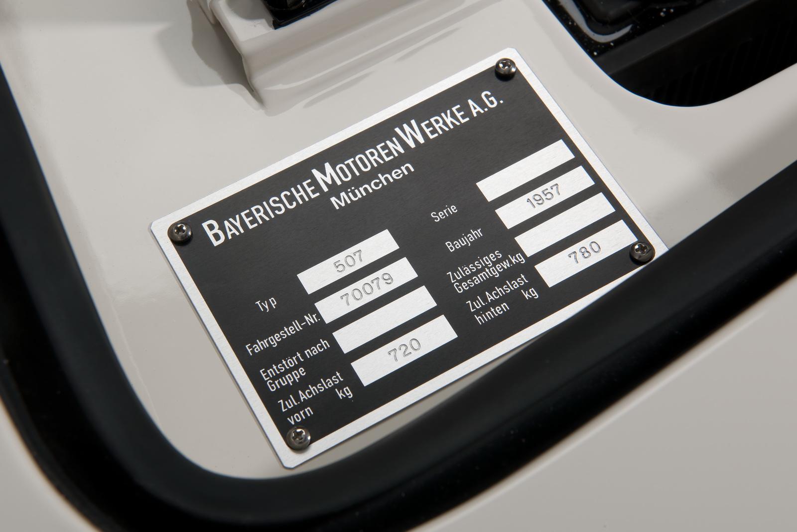 Elvis-BMW507-46.jpg