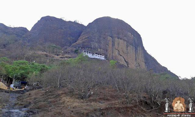 गिर्यारोहकांच्या आवडत्या मुंब्रा कड्यावरची निवासिनी 'मुंब्रा देवी'