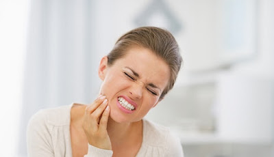 Ilustrasi mengobati sakit gigi