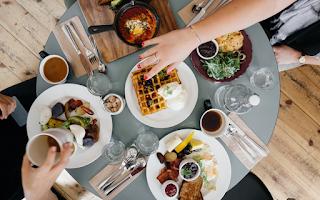 Travelling!!! Baca Dulu 6 Tips Memilih Restoran Halal Ala Jalan Seru