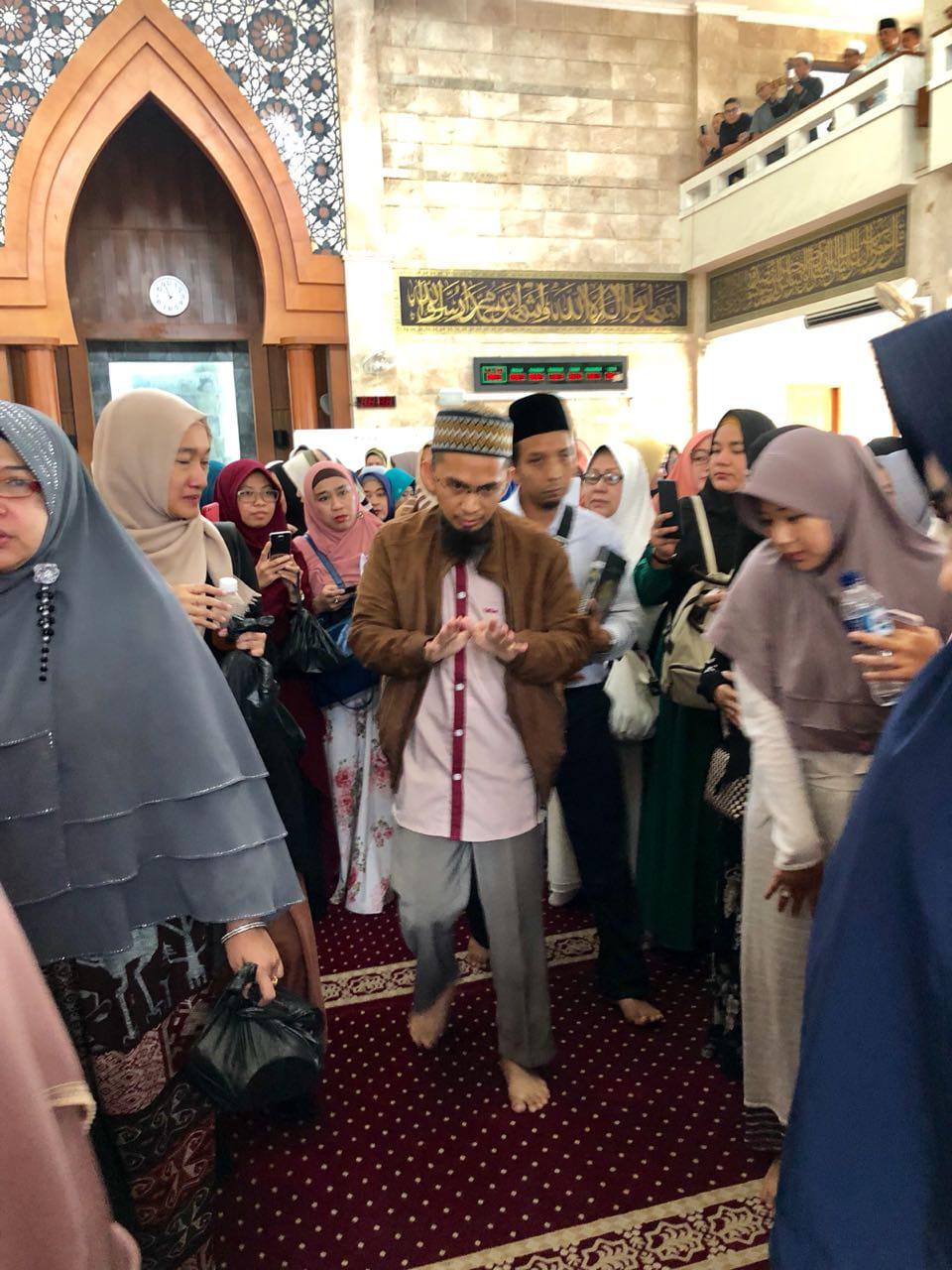 Terulang Dua Kali, Ini Keanehan Pelaku Persekusi Ustadz Adi Hidayat