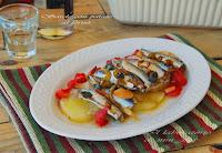 Σαρδέλες με πατάτες στον φούρνο - by https://syntages-faghtwn.blogspot.gr