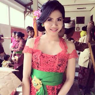 Kebaya Bali Modern Remaja