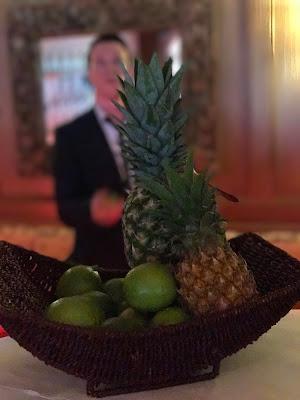 Barkeeper, exotisch heiraten, Malediven Karbiik-Hochzeit im Seehaus, Riessersee Hotel Garmisch-Partenkirchen Bayern, Hochzeitsplanerin Uschi Glas