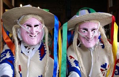 Foto de rostros de los bailarines de la danza de los viejitos
