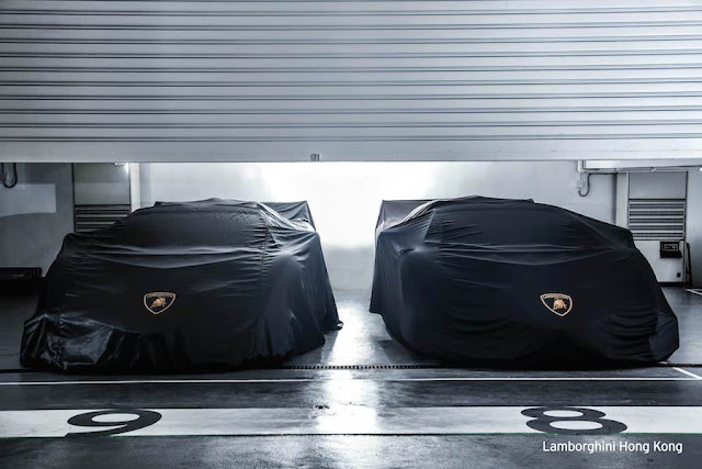 香港のランボルギーニディーラーに2台の「ヴェネーノ・ロードスター」が並ぶ!