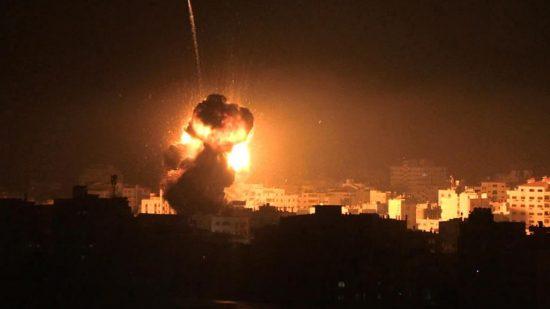 تدمير مكتب إسماعيل هنية بالكامل بعد قصفه بثلاثة صواريخ إسرائيلية (فيديو)