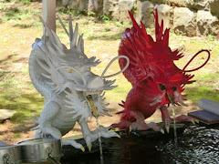 伊豆山神社赤白二龍