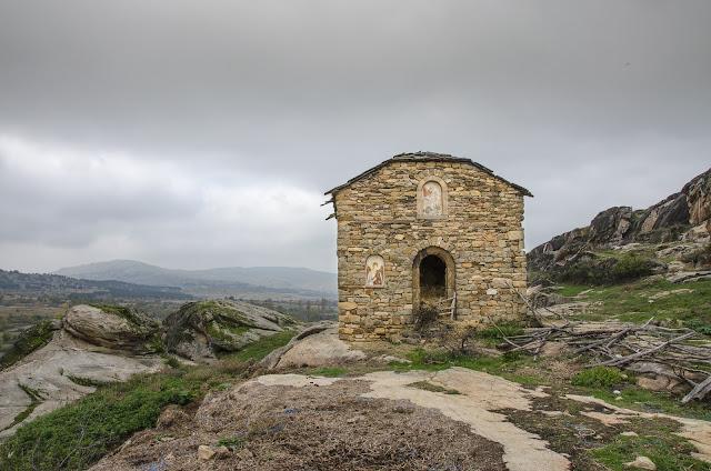 """Објект - црква изградена за потребите на филмот """"Прашина"""""""