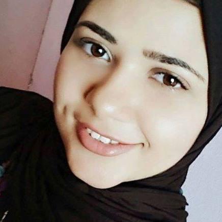 منار 24 سنة من القاهرة