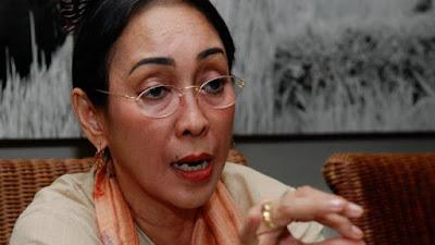 "Puisi ""IBU INDONESIA"" Karya Sukmawati Bermakna?"
