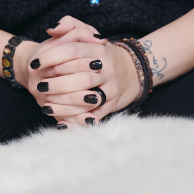 GrinseStern, black is beautiful, nails, shellac, nagellack, cnd shellac