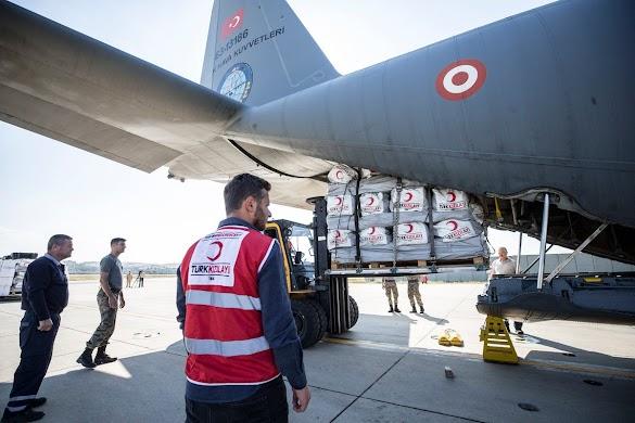 Militer Turki Mengirim 2 Pesawat Berisi Bantuan untuk Sulteng Indonesia