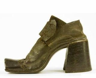 Bahaya Memakai Sepatu Hak Tinggi Dan Sejarah Sepatu High Heels