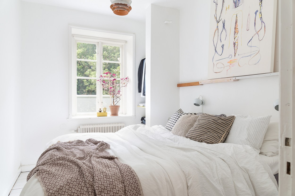 scandinavian interior bedroom decor