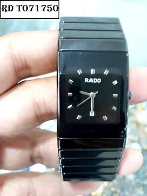 Đồng hồ mặt vuông Rado T071750 dây đá ceramic