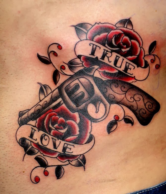 tattoos old school tattoo gun and roses. Black Bedroom Furniture Sets. Home Design Ideas