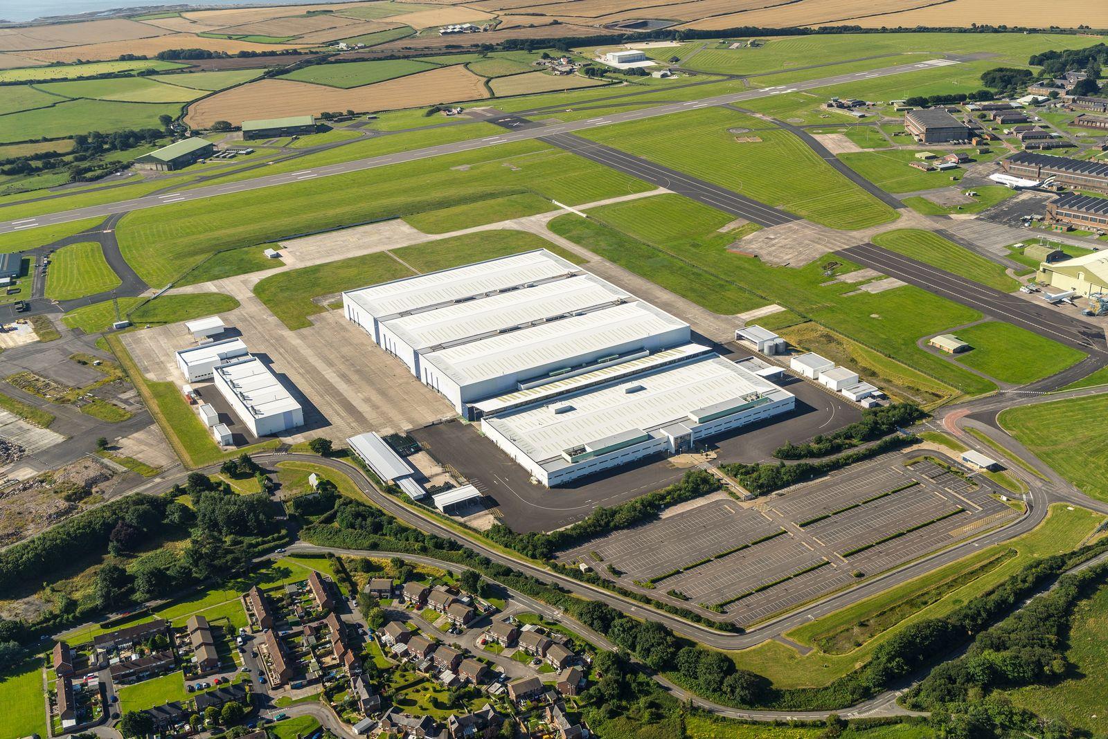 2019 - [Aston Martin] DBX Aston%2BMartin%2BDBX%2Bfactory%2B-5