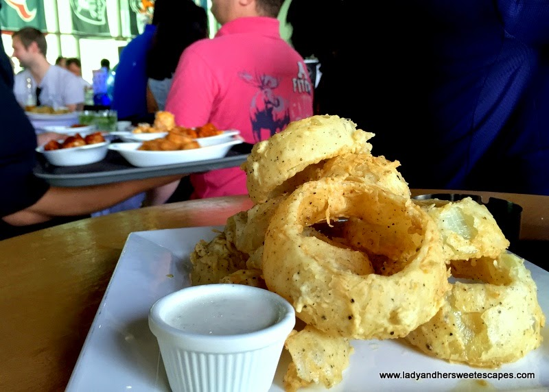 onion rings at Original Wings and Rings Dubai