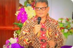 Martuani Sormin Ikut Jumat Agung di Gereja Alfa Omega Waisai