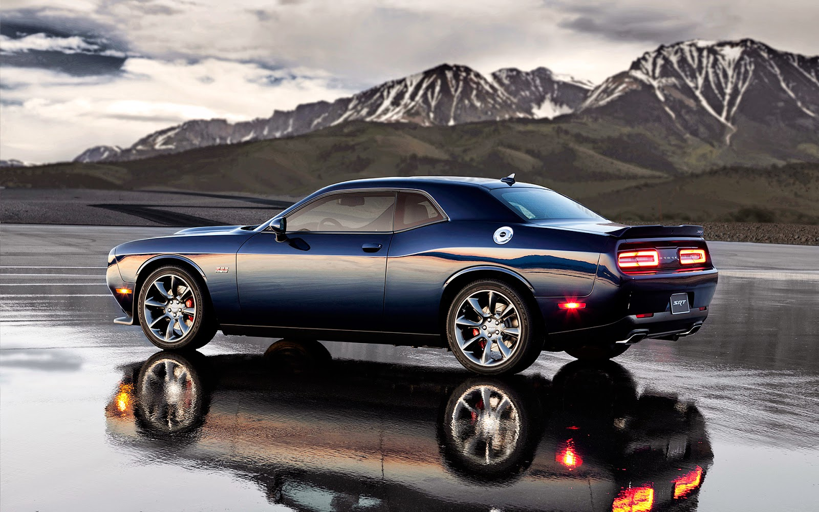 2016-cadillac-cts_100528431_h Infiniti Acura Lexus