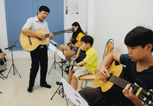 hoc dan guitar