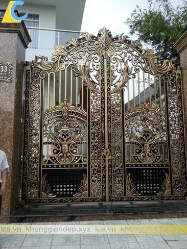 Mẫu cổng biệt thự cổng nhôm đúc đẹp