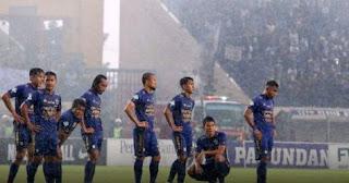 Tragis! Persib Kalah di Laga Terakhir Liga 1 2017, Bobotoh Rusuh, Stadion Rusak