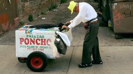 Kakek Penjual Es Krim dapat Sumbangan Rp5 Miliar dari Pengguna Facebook