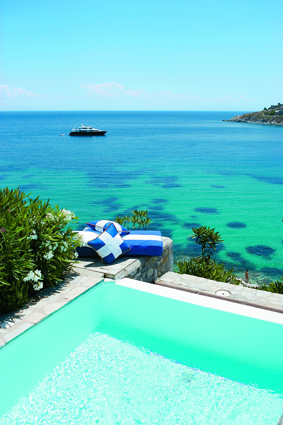 From turquoise to teal and blue| photo of infinity pool in Mykonos via Travel2Greece).