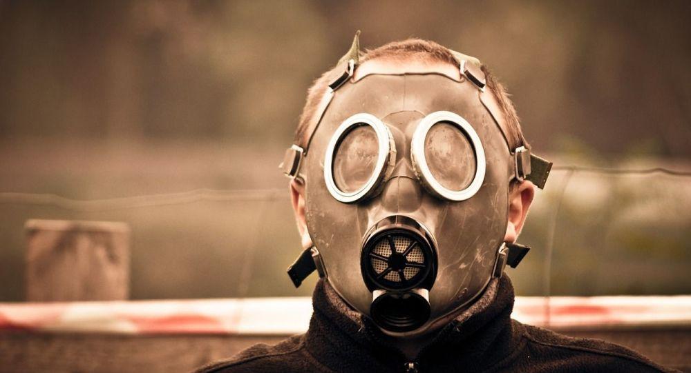 Πέθανε από αυτοερωτική ασφυξία, χρησιμοποιώντας μάσκα αερίων και πλαστική σακούλα