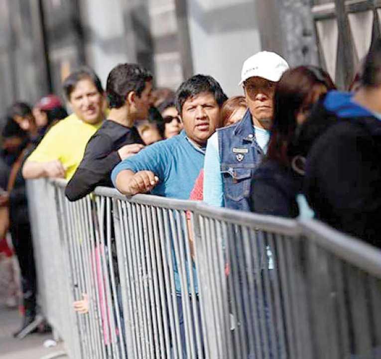 Migración boliviana a Chile se multiplicó en el último lustro / EL MERCURIO