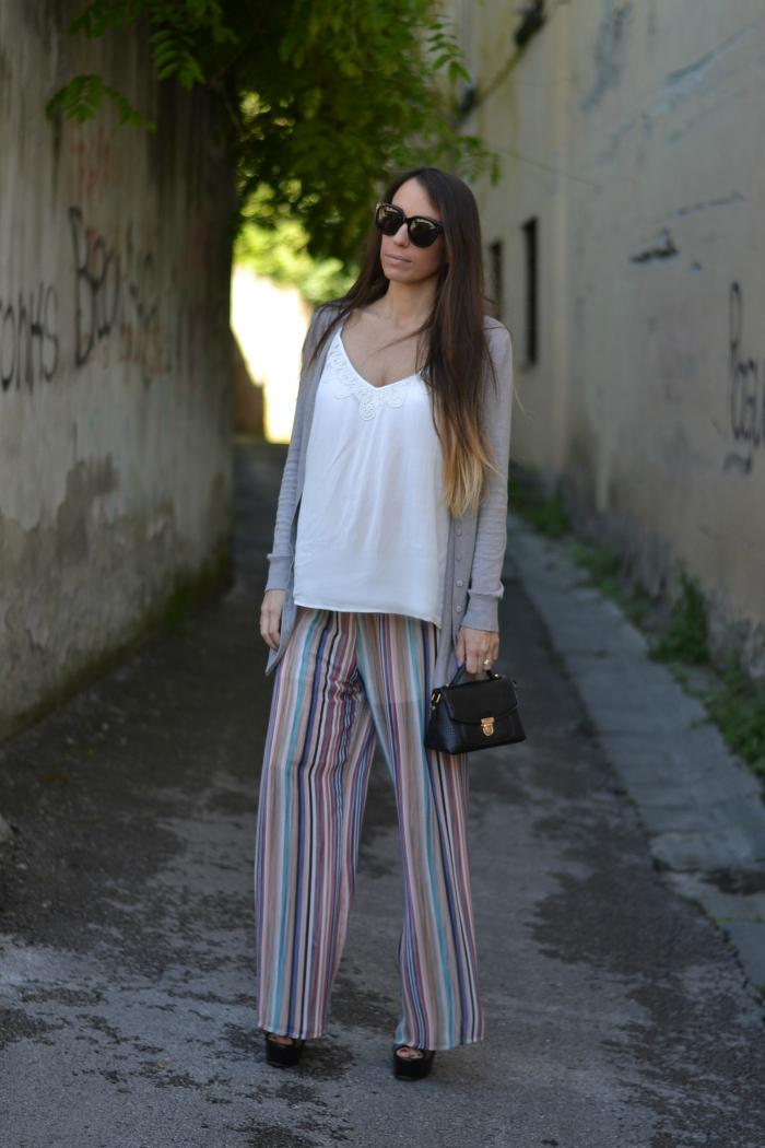 come indossare i pantaloni palazzo