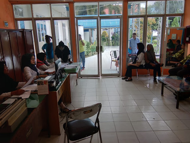 Para bacaleg antrian untuk mengikuti tes kesehatan di RSU HAMS Kisaran.