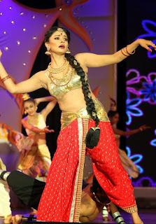 Pooja Kumar Dance Performance Pictures at Uthama Villain Audio Launch 7