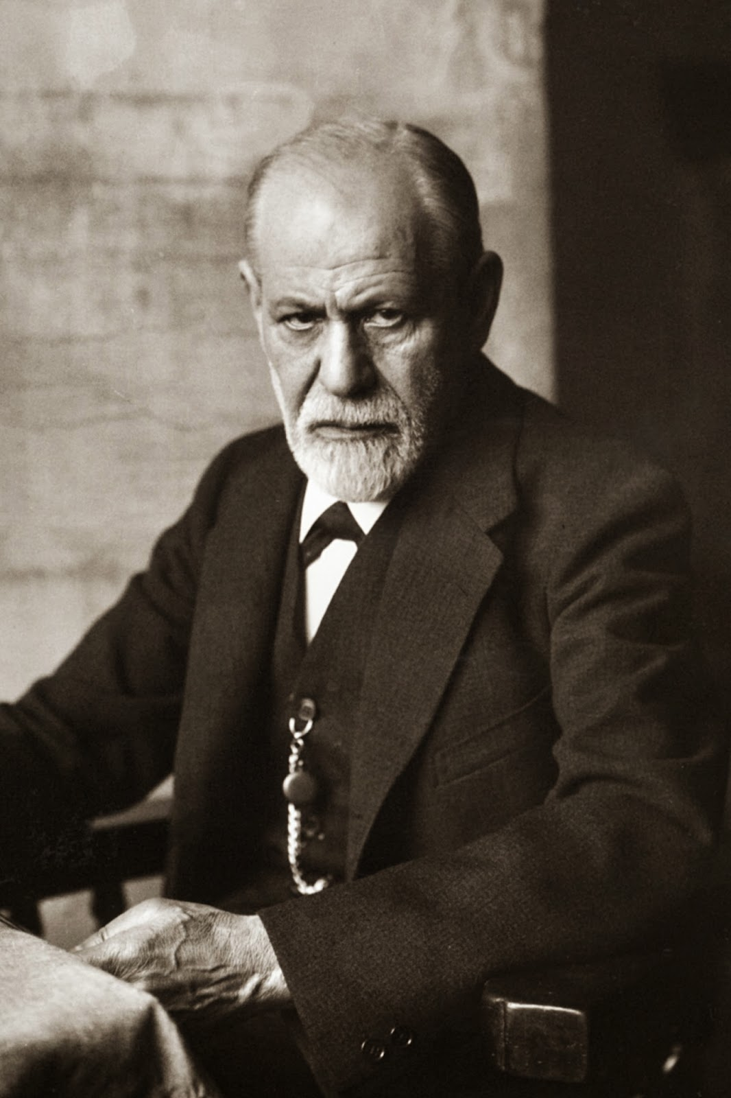 The life and theories of the austrian neurologist sigmund freud