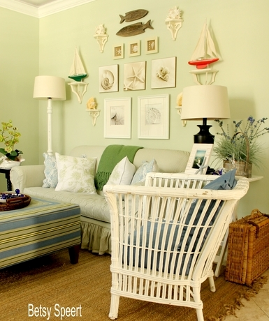 23 Coastal Gallery Walls -Inspiration and Ideas to Create a ...