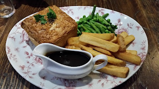Nicholson's Steak and Ale Pie Review