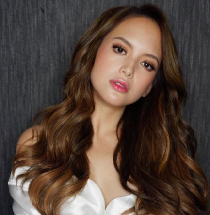Ellen Adarna And Baste Duterte Made Waves Online After They Were Caught Kissing Months After Their Breakup!