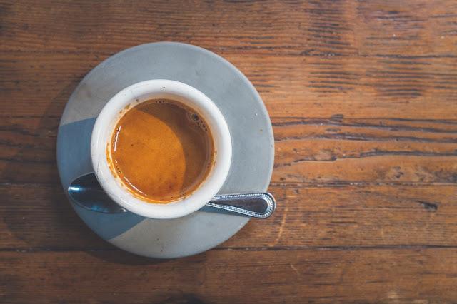 Taza de café con cuchara