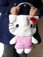 PATRON GRATIS BOLSO HELLO KITTY DE CROCHET