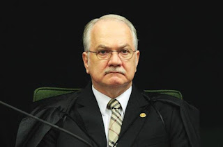 http://vnoticia.com.br/noticia/1610-governo-jamais-acionou-abin-para-espionar-fachin-diz-nota-do-planalto