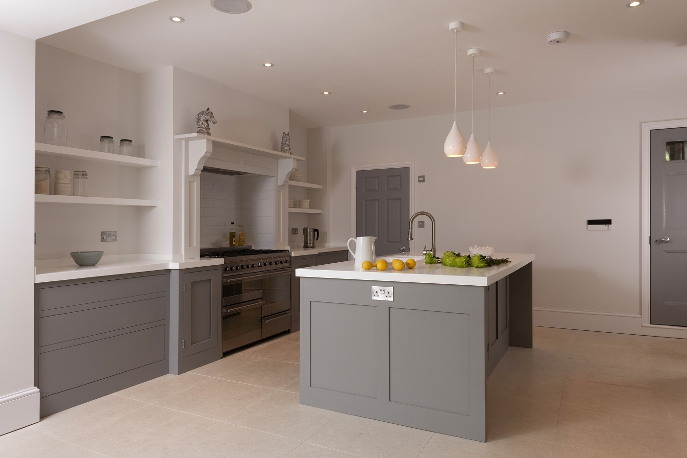 Handleless shaker in beautiful kitchens higham furniture for Kitchen farnichar dizain