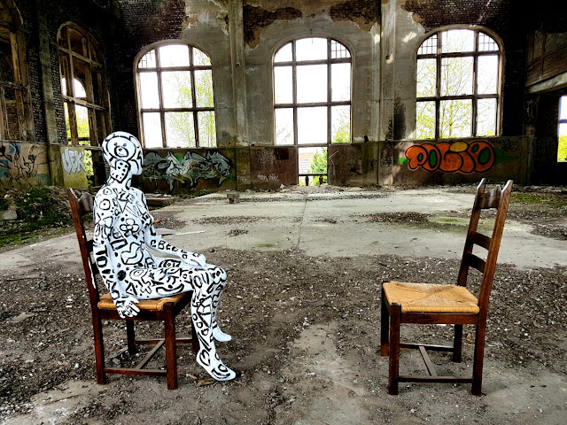 Abstract Body Painting - Ben Heine Art - Flesh and Acrylic - Quand T'es Loin - Clip de Musique - Chanson de Ben Heine Music - BenHeineMusic - Backstage Making of Photos - 2017 - Charbonnage N10 du Gouffre